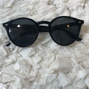 Ray-Ban Accessories - 🎉Ray Ban RB2180 Sunglasses🎉